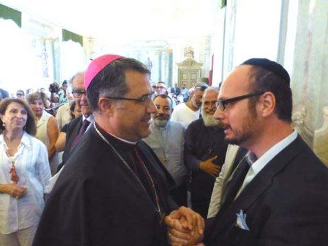Palermo Archbishop Corrado Lorefice (left) with Shavei Israel's emissary to Sicily, Rabbi Pinhas Punturello (right).
