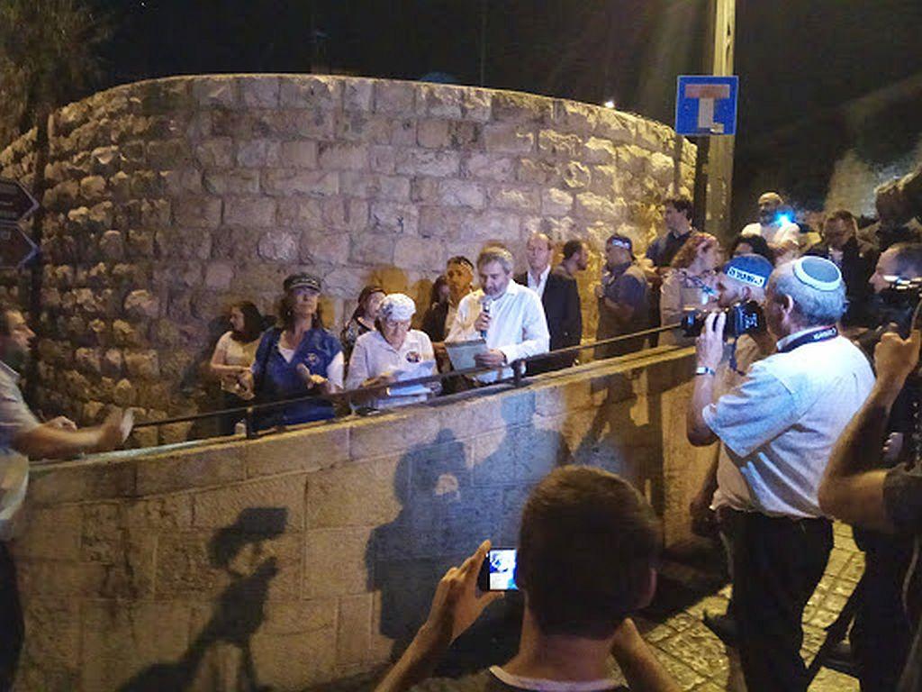 Sleep Tight | The Jewish Press - JewishPress com | Rabbi Reuven