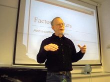 Steven Plaut giving a lecture at Central European University on Nov. 22, 2011.