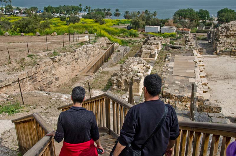 The Sanhedrin Trail will cross the Lower Galilee by way of many of the sites that were inhabited during the time of the Mishnah and Talmud. In the picture: visitors in the Roman theater of Tiberias and the theater.