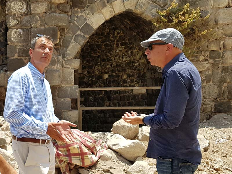 Tiberias mayor Yossi Ben David (L) and city engineer Motti Lavie visiting the excavation in the Old City of Tiberias. / Photo credit: Yair Amitzur, IAI.