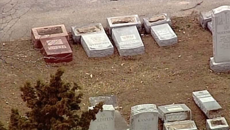 Muslim community organizes effort to fix damaged Jewish cemetery near St. Louis