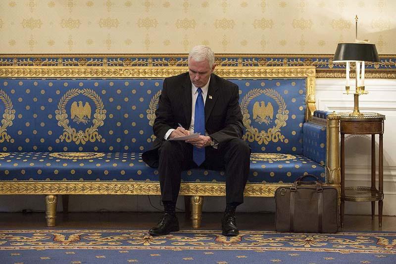 Pence delays Israel visit