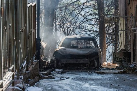 View of the damage caused to a car after a forest fire broke out in the northern city of Tzfat (Safed), July 16, 2017.