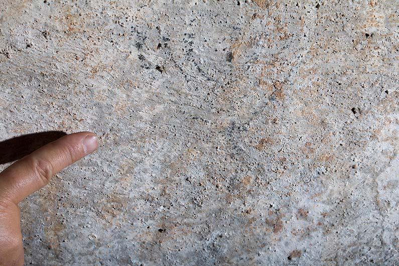 https://www.jewishpress.com/wp-content/uploads/one-of-the-menorahs-drawn-in-cistern-at-al-Aliliyat-cliffs-near-Mukhmas-Boaz-Langford.jpg